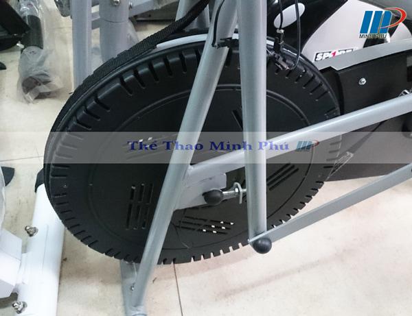 xe đạp tập thể dục ET 8.2i - bánh đà