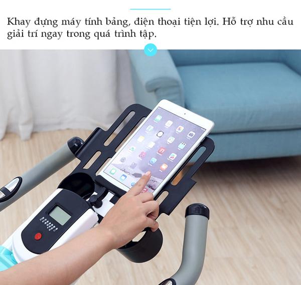 xe đạp tập thể dục SP500 khay ipad